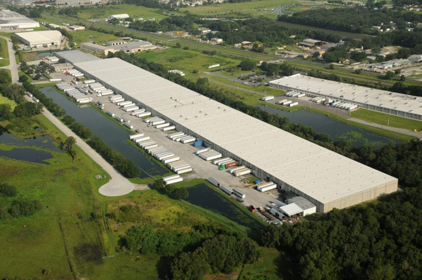 Star Distribution Facility: Keep your inventory in Florida